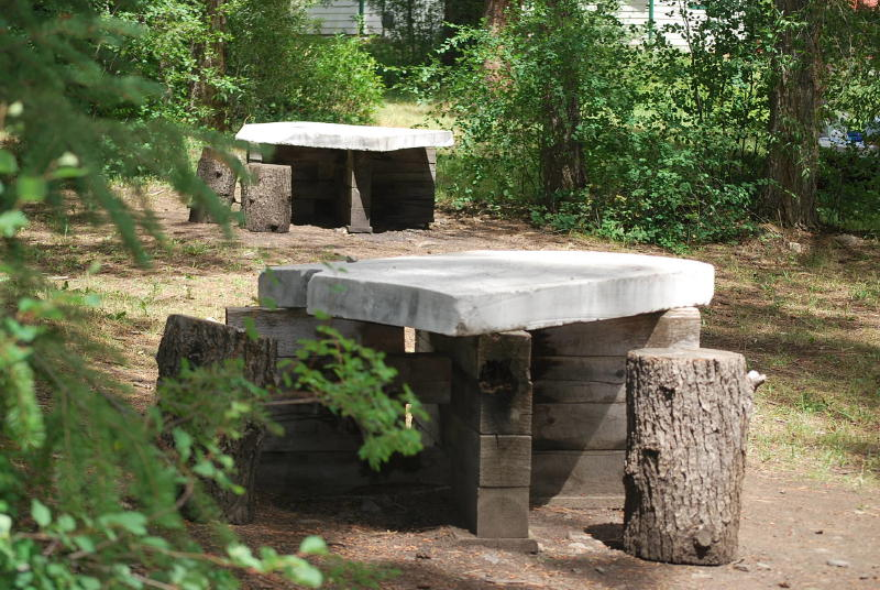 Marble picnic table_1_1